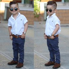 Will it melt your heart if your little son looks stylish? Toddler Boy Fashion, Little Boy Fashion, Toddler Boy Outfits, Toddler Boys, Baby Boy Haircuts, Boy Hairstyles, Outfits Niños, Little Boy Outfits, Stylish Boys
