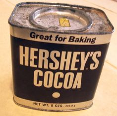 VINTAGE HERSHEY'S COCOA 8 OZ. TIN with Recipes MADE IN USA CHOCOLATE ADVERTISING #HERSHEY Hershey Cocoa, Hershey Chocolate, Vintage Tins, Vintage Kitchen, Tin Metal, Coffee Cans, Globe, 1950s, Advertising