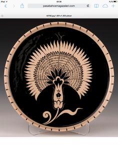 Çini Turkish Tiles, Turkish Art, Arabic Art, Sgraffito, China Painting, Tile Art, Ceramic Vase, Art And Architecture, Pottery