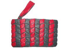 Clutch em couro no site www.shopshoes.com.br
