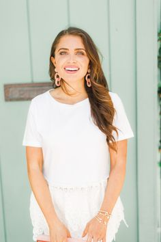 Click here to learn how to wear white on white on Maxie Elise Blog now! Cute white on white outfit summer and white on white outfit casual. Nice white on white outfit classy and white on white outfit street style. This outfit is perfect for an all white party. Stylish white outfit ideas for party and white outfit ideas classy. Cute white outfit aesthetic girl. Best white outfit summer classy street styles. Awesome white pants outfit summer classy. #style #fashion #outfit #white