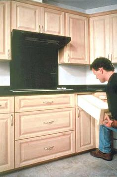 How to Install Cabinets Like a Pro! | Kitchens | Pinterest ...