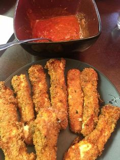 Omg Keto mozzarella sticks are to die for!!!! It's 1/4 c golden flaxseed meal,1/4 c Parmesan cheese,lil salt,Italian seasoning.take mozzarella stick coat in whipped egg  than dip in the mix,place in freezer about 30 min than fry about 4-5 min