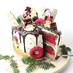 Jaa hoor! Alweer een drip cake! Een christmas drip cake, als showstopper van het kerstdiner bijvoorbeeld! Ga jij ook de show stelen deze kerstdagen?