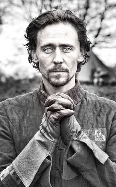 Tom Hiddleston. Via allthehiddlethings.