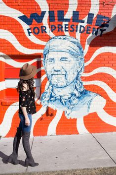 The most famous murals on South Congress in Austin Texas! You have 'gram these spots! Visit Austin, Austin Texas, Austin Murals, Austin City Limits, Down South, Creative Photography, Cool Photos, Youtube, Survival