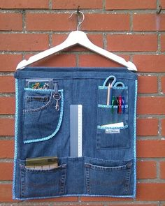 Cut Up Jeans, Jeans Denim, Denim Bag, Jean Crafts, Denim Crafts, Sewing Hacks, Sewing Projects, Baby Hoodie, Diy Clothes Hangers