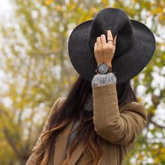 Señoras y señores  muy Buenas Noches!  Good Night! Ladies & Gentlemen  watch @christianpaulwatches #christianpaulwatches @shoppinglinks #bloggerswanted #hat #hats#newhat#sombreros#zara by withorwithoutshoes