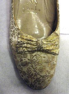 Tillverkare: Gamba Ägare: Louise av Sverige (1889-1965) Återförsäljare: Fortnum & Mason Datering:1959 Vintage