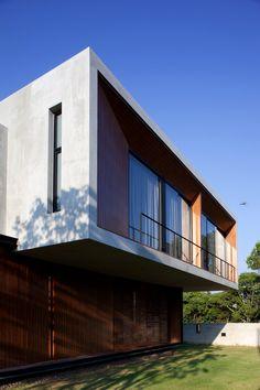 W House, Thailand / IDIN Architects