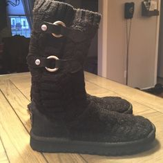 UGG Black knit boots UGG Black knit boots with black suede and silver metal buckles UGG Shoes