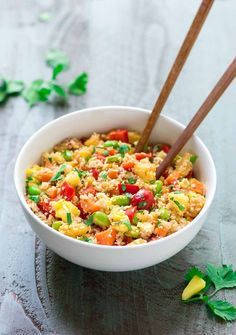 Easy, delicious pineapple Healthy Fried Rice made with cauliflower rice. Tastes like regular vegetable fried rice! Healthy Fried Rice, Vegetable Fried Rice, Cauliflower Fried Rice, Fried Vegetables, Healthy Snacks, Healthy Eating, Clean Eating, Veggies, Cauliflower Recipes