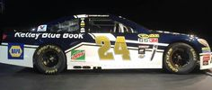 Kelly Blue Book joins Chase Elliott and the #24 Team for select races in 2016