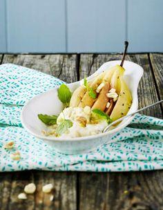 Päärynäkammat keitetään kypsiksi mausteisessa liemessä. Sitruunajäätelö on raikas makupari makeille päärynöille. Ne maistuvat myös jogurtin kanssa tarjottuna.