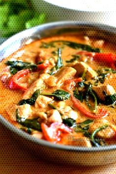 Poulet-curry-thaïYou can find Easy indian chicken recipes and more on our website. Indian Chicken Recipes, Chicken Recipes For Kids, Casserole Recipes, Thai Red Curry, Kids Meals, Dinner Recipes, Ethnic Recipes, Website, Food