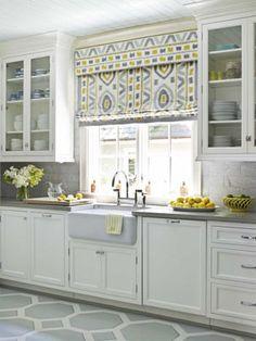 what a beautiful kitchen! definitely want to redo my kitchen!!!