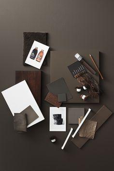 Färgen ger en varm och ombonad känsla. Den kan passa dig som gillar mörkgråa toner men vill ha en varmare känsla i köket. Colour Board, Color, Material Board, Brown Kitchens, Container Design, Humble Abode, Swatch, Palette, Interior Design