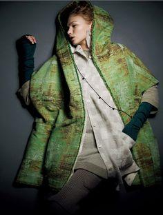 HaaT. Issey Miyake Women's Fashion, Fashion Outfits, Boro, Issey Miyake, Japanese Fashion, Kenzo, What To Wear, Raincoat, Women Wear
