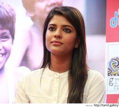 Aishwarya regrets lack of film offers for Tamil-speaking heroines - http://tamilwire.net/53858-aishwarya-regrets-lack-film-offers-tamil-speaking-heroines.html