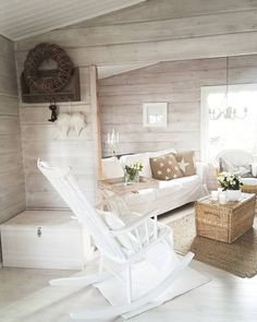 Small Beach Cottages, Little Log Cabin, Simple Living Room, Cottage Interiors, Cottage Design, Log Homes, Cozy House, Interior Design Living Room, Decoration