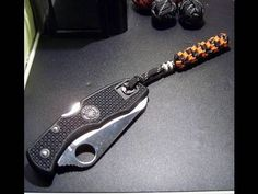 ...How to make a round crown sinnet paracord lanyard/fob.....You'll need two pieces of gutted paracord, one 30 inches the other 25 inches. This will make a finished fob with a 3 inch loop and a 2 inch ...