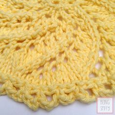 "Because I love a good ""twist"" (See what I did there?), I'm sharing this Lemon Swirl knit dishcloth pattern. I love round dishcloths. Square ones are so…well, you get the idea. Ravelry Free Knitting Patterns, Dishcloth Knitting Patterns, Crochet Dishcloths, Knit Or Crochet, Knitting Stitches, Knit Patterns, Stitch Patterns, Cloth Patterns, Bamboo Knitting Needles"