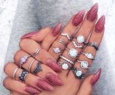 Image de nails, rings, and pink