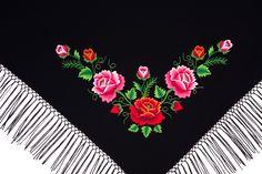 Mała chusta z haftem łowickich róż