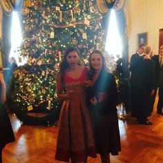 'Vampire Diaries' star Nina Dobrev surprises her mom with a trip to the White House