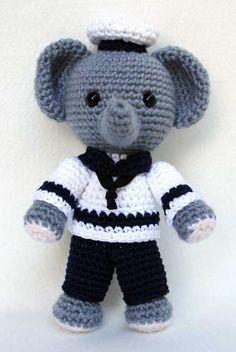 Amigurumi Sailor Elephant - free crochet pattern and tutorial here: http://hobbyuncinetto.blogspot.ca/2011/09/elefante-marinaio-amigurumi.html#inglese