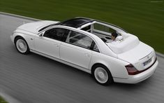 2009 Maybach Landaulet Widescreen Exotic Car