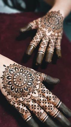 Cool Henna Designs, Peacock Mehndi Designs, Arabic Henna Designs, Eid Mehndi Designs, Modern Mehndi Designs, Wedding Mehndi Designs, Beautiful Henna Designs, Mehndi Designs For Hands, Stylish Mehndi