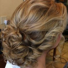 Prom hair (sorry to pin so many of these, I want to be able to go back and look… Fancy Hairstyles, Summer Hairstyles, Wedding Hairstyles, Wedding Updo, Hair Styles 2014, Short Hair Styles, Hair Dos, Gorgeous Hair, Hair Hacks