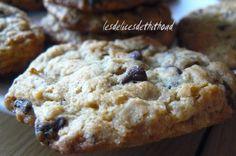 """750g vous propose la recette """"Cookies au muesli et aux pépites de chocolat"""" notée 4.1/5 par 34 votants."""