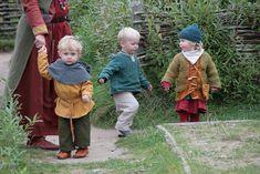 OMG, thses little vikings are super cute! Haithabu WHH by… Costume Viking, Viking Reenactment, Viking Dress, Medieval Costume, Viking Baby, Viking Life, Viking Warrior, Historical Costume, Historical Clothing