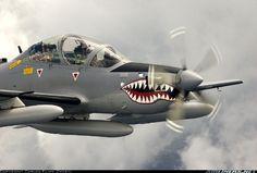 Força Aérea Colombiana - Tucano  http://voarnews.blogspot.com.br/2012/07/pilotos-de-aviao-que-caiu-na-colombia.html