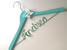 #Kids #cars #birthday #Babyshower #customhanger #Bride #Groom Percha personalizada Novia de Perchas Personalizadas | Foto 109