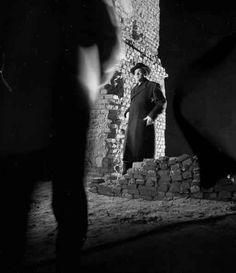 31 Black-And-White Movies Every Twentysomething Needs To See Classic Film Noir, Classic Movies, Chiaroscuro Photography, Our Man In Havana, Carol Reed, The Philadelphia Story, It Happened One Night, The Third Man, Orson Welles
