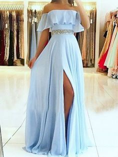 Shop long prom dresses and formal gowns for prom 2019 at Kemedress. Prom ball gowns, long evening dresses, mermaid prom dresses, long dresses for prom,body type & fashion sense. Check out selection and find the prom dress of your dreams! Pretty Prom Dresses, Chiffon Evening Dresses, Prom Dresses Blue, Cheap Prom Dresses, Elegant Dresses, Sexy Dresses, Beautiful Dresses, Fashion Dresses, Summer Dresses