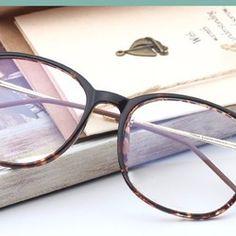 レトロめがねクラシック風メガネフレーム男子メンズ韓国最新おしゃれ超軽量伊達眼鏡TR90快適スクエア型ダテメガネ近視フルリム度いり度なしレディース女性メガネフレームポイント:知的な印象で幅広いシーンでお使いいただけるスタンダードなデザイン。トレンドのウェリントンタイプのダテメガネが6カラーで新登場♪軽量メガネ、もちろんユニセックスデザインなので男女兼用^^スペック:材質:セル・プラスチックレンズ:あり(度なし)(度いりレンズも対応)サイズ:13.7センチ(長さ)http://buy-glasses.jp/products/date-megane/with-lens/353.html