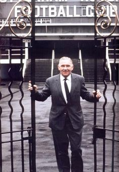 Glory Glory Tottenham Hotspur, Bill Nicholson is opening the gates to White Hart Lane Bill Nicholson, Tottenham Hotspur Players, Spurs Fans, White Hart Lane, North London, Football Soccer, Premier League, Gates, Harry Kane