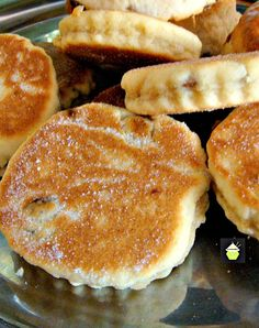 Welsh Cakes - An old family recipe traditionally served warm simply with a little butter on the tops! Welsh Cakes - An old family recipe traditionally served warm simply with a little butter on the tops! Welsh Recipes, Scottish Recipes, British Recipes, Welsh Cakes Recipe, Welsh Dessert Recipes, British Dishes, Gourmet Recipes, Cake Recipes, Cooking Recipes