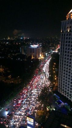 grab your seat belt, turn on your music and enjoy the routine activities in jakarta; traffic jam