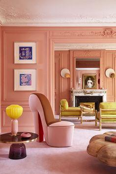 Interior with walls painted in pink, pink carpet and furnishings Interior Design Magazine, Design Portfolios, Zeitgenössisches Apartment, Colorful Interiors, Interior Inspiration, Interior And Exterior, Interior Decorating, Decorating Tips, Sweet Home