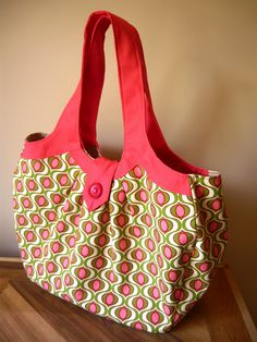 Amy Butler Cosmo Bag...  this will be my first sewing project starting Monday (finally going to learn!!)