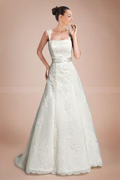 2013 A-line Bridal Gown. 186$ Adorable!