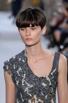 Gabriele Colangelo Spring-Summer 2017, Womenswear - Fashion Week (#27192) short hair bob Bowl Haircut Women, Lola Hair, Bowl Haircuts, Natural Hair Styles, Short Hair Styles, Crop Hair, Hair Romance, Bowl Cut, Short Hair Cuts For Women
