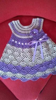 vestidos de nena a crochet ideas Crochet Dress Girl, Crochet Baby Dress Pattern, Baby Girl Crochet, Crochet Baby Clothes, Crochet Shawl, Knit Crochet, Crochet Toddler, Crochet For Kids, Crochet Ideas