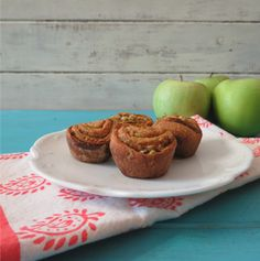 Mini Apple Cinnamon Rolls #SundaySupper | Peanut Butter and Peppers