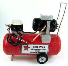 Miniature air compressor in 1/12 scale. Another excellent site.